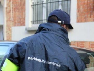 Depuis ce 1er janvier 2015, la gestion du stationnement à Molenbeek a été confiée à parking.brussels, pour le compte de la commune.